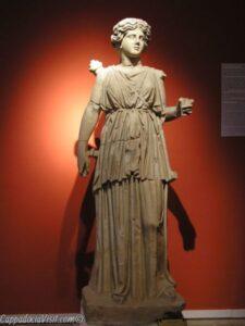 Артемида Пергская покровительница Перге