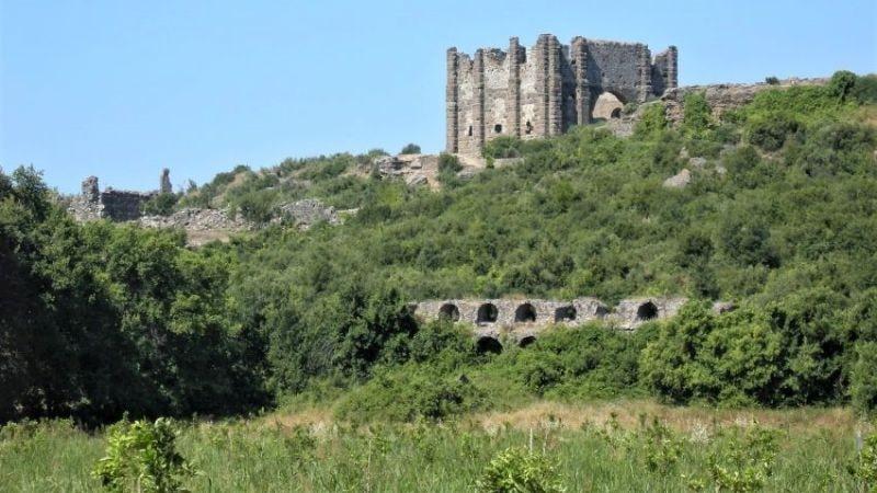 Руины древнего Аспендоса - Базилика