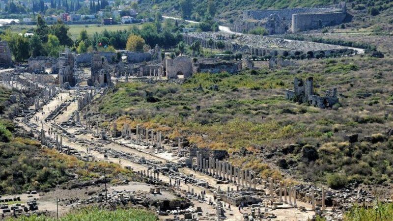 Перге - общий вид города Перге