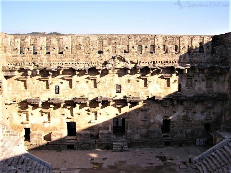 Скена (сцена) театра в Аспендосе
