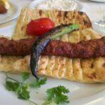 Адана кебаб – одно из главных блюд турецкой кухни