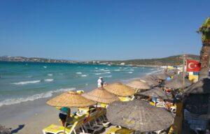 Пляж Ылыджа в Чешме летом