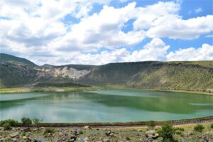 Вулканическое озеро Нар