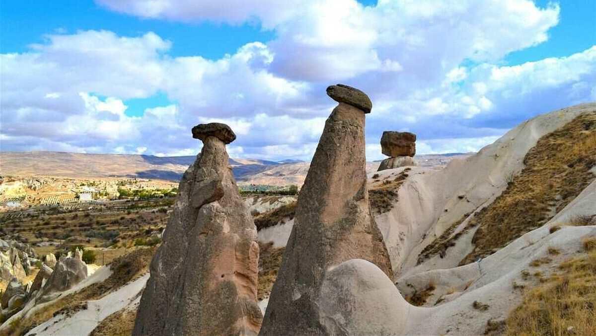 Каппадокия (Cappadoсia) - область в центральной Турции