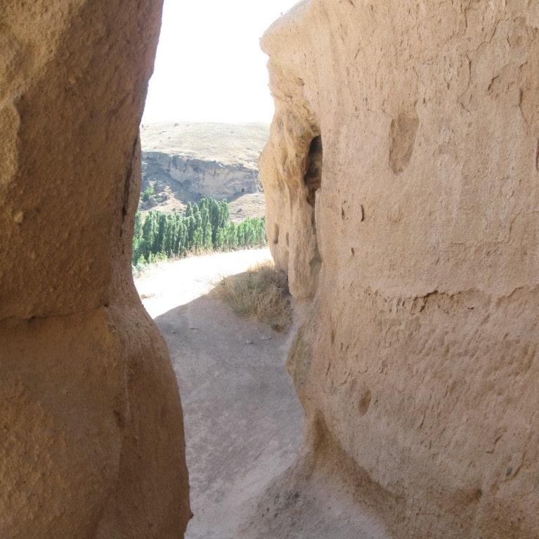 Вид из монастыря Селиме на долину Ихлара